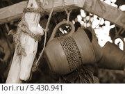 Купить «Глиняная чашка с узорами», фото № 5430941, снято 21 июня 2013 г. (c) Марина Шатерова / Фотобанк Лори