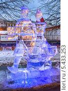 Купить «Ледяная скульптура на Красной площади в Москве», фото № 5433253, снято 13 декабря 2013 г. (c) Владимир Сергеев / Фотобанк Лори