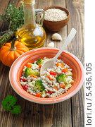 Перловая каша с овощами. Стоковое фото, фотограф Надежда Мишкова / Фотобанк Лори