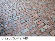 Купить «Текстура старой мокрой гранитной булыжной мостовой», фото № 5449749, снято 30 декабря 2013 г. (c) EugeneSergeev / Фотобанк Лори