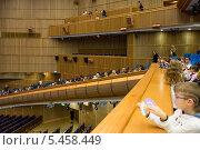 Купить «Зрительный зал Кремлёвского Дворца съездов», фото № 5458449, снято 25 декабря 2013 г. (c) Сергей Лаврентьев / Фотобанк Лори