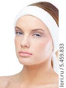 Купить «Relaxed blonde model wearing headband», фото № 5459833, снято 30 мая 2013 г. (c) Wavebreak Media / Фотобанк Лори