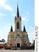 Лютеранская кирха (ныне баптистская церковь) в Луцке (2013 год). Стоковое фото, фотограф Владимир Одегов / Фотобанк Лори