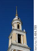 Купить «Верхний ярус колокольни церкви Иоанна Богослова в Коломне Московской области», эксклюзивное фото № 5484789, снято 3 июля 2011 г. (c) lana1501 / Фотобанк Лори