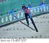 """Купить «Прыжки на лыжах с трамплина. """"Летающий лыжник"""" в полете», фото № 5497537, снято 9 декабря 2012 г. (c) Анна Мартынова / Фотобанк Лори"""