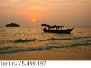 Купить «Закат над морем. Камбоджа.», фото № 5499197, снято 26 февраля 2013 г. (c) Юлия Бабкина / Фотобанк Лори