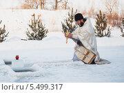 Купить «Святое крещение,освящение воды», эксклюзивное фото № 5499317, снято 19 января 2014 г. (c) Иван Карпов / Фотобанк Лори