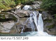 Водопад Клейтон-Фолс, Белла Кула, Британская Колумбия, Канада (2013 год). Стоковое фото, фотограф Galina Vydryakova / Фотобанк Лори