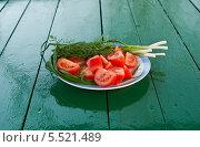 Купить «Овощи на столе», фото № 5521489, снято 7 мая 2013 г. (c) Зобков Георгий / Фотобанк Лори