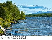 Купить «Горное озеро в Норвегии», фото № 5528921, снято 15 июля 2013 г. (c) Юрий Брыкайло / Фотобанк Лори