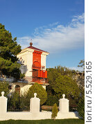 Купить «Створный маяк, Геленджик. Россия», эксклюзивное фото № 5529165, снято 21 сентября 2013 г. (c) Dmitry29 / Фотобанк Лори