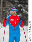 Купить «Член олимпийской сборной по лыжным гонкам Александр Бессмертных», фото № 5532721, снято 31 декабря 2013 г. (c) Максим Попурий / Фотобанк Лори
