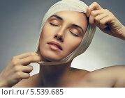 Купить «Пластика лица», фото № 5539685, снято 20 января 2014 г. (c) Константин Юганов / Фотобанк Лори