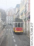 28-й трамвай в Лиссабоне (2012 год). Редакционное фото, фотограф Дмитрий Булатов / Фотобанк Лори