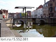 Купить «Разводной мост. Брюгге», фото № 5552081, снято 27 июня 2013 г. (c) Ирина Андреева / Фотобанк Лори