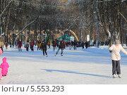 Зимний каток в парке Сокольники (2014 год). Редакционное фото, фотограф Склярова Ирина / Фотобанк Лори