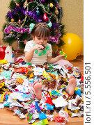 Купить «Сластёна в фантиках конфет», фото № 5556501, снято 26 января 2014 г. (c) WalDeMarus / Фотобанк Лори