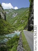 Горная река Бзыбь в Абхазии. Стоковое фото, фотограф Сергей / Фотобанк Лори