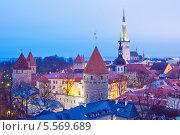 Купить «Вечерний вид на Старый город в Таллине, Эстония», эксклюзивное фото № 5569689, снято 6 января 2014 г. (c) Литвяк Игорь / Фотобанк Лори