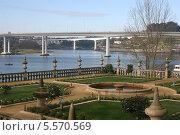 Вид на реку Дору из дворца Фреша в городе Порто (2013 год). Стоковое фото, фотограф Дмитрий Булатов / Фотобанк Лори
