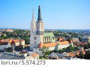 Купить «Вид на Собор Загреба в солнечный день», фото № 5574273, снято 3 октября 2013 г. (c) Иван Нестеров / Фотобанк Лори