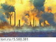 Дымящие трубы промышленного района. Стоковое фото, фотограф yeti / Фотобанк Лори