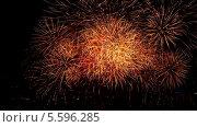 Купить «Красивый фейерверк», видеоролик № 5596285, снято 29 декабря 2013 г. (c) Игорь Жоров / Фотобанк Лори