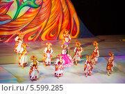 Купить «Кремлевская новогодняя Елка», эксклюзивное фото № 5599285, снято 29 декабря 2013 г. (c) Михаил Ворожцов / Фотобанк Лори