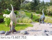 Купить «Ландшафтная композиция со скульптурами в парке», фото № 5607753, снято 28 августа 2013 г. (c) Светлана Попова / Фотобанк Лори