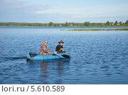 Купить «Отец с сыном рыбачат на озере Вселуг», эксклюзивное фото № 5610589, снято 26 августа 2013 г. (c) Елена Коромыслова / Фотобанк Лори