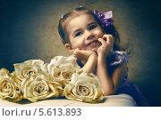 Портрет в ретростиле. Девочка с белыми розами, фото № 5613893, снято 10 февраля 2014 г. (c) Константин Юганов / Фотобанк Лори