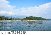 Купить «Вид на побережье Сочи со стороны моря», фото № 5614689, снято 8 августа 2013 г. (c) Григорий Писоцкий / Фотобанк Лори