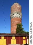 Купить «Водонапорная башня в городе Вааса, Финляндия», фото № 5619625, снято 17 июля 2013 г. (c) Валерия Попова / Фотобанк Лори