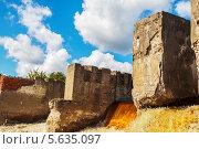 Разрушенная плотина. Стоковое фото, фотограф Александр Казаков / Фотобанк Лори