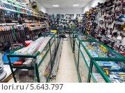 Купить «Рабочие инструменты в магазине», эксклюзивное фото № 5643797, снято 9 февраля 2014 г. (c) Володина Ольга / Фотобанк Лори