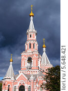 Христианская церковь. Стоковое фото, фотограф Сергей Огарёв / Фотобанк Лори