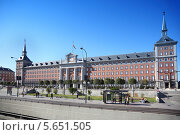 Купить «Штаб-квартира испанских военно-воздушных сил в Мадриде, Испания», фото № 5651505, снято 11 марта 2012 г. (c) Losevsky Pavel / Фотобанк Лори