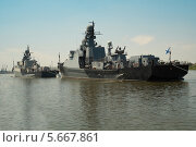 Российские военные корабли каспийской флотилии в Астрахани. Стоковое фото, фотограф Максим Мосин / Фотобанк Лори