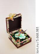 Саше в коробке с бабочками. Стоковое фото, фотограф Сергей Филимончук / Фотобанк Лори