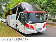 Купить «Автобус Neoplan N5217/3SHD Starliner сборной России по футболу», фото № 5694117, снято 7 июля 2012 г. (c) Art Konovalov / Фотобанк Лори