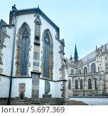 Купить «Церковь Святого Михаила и собор Елизаветы (Кошице, Словакия)», фото № 5697369, снято 21 сентября 2013 г. (c) Юрий Брыкайло / Фотобанк Лори