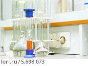 Купить «Химическая лаборатория», фото № 5698073, снято 16 октября 2012 г. (c) yeti / Фотобанк Лори