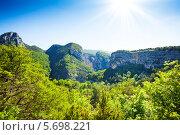 Купить «Горные вершины в Провансе, Франция», фото № 5698221, снято 4 июня 2013 г. (c) Сергей Новиков / Фотобанк Лори