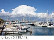 Марина в Ларнаке. Кипр (2014 год). Редакционное фото, фотограф Victoria Demidova / Фотобанк Лори