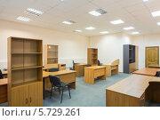 Купить «Офисное помещение с мебелью», фото № 5729261, снято 12 марта 2013 г. (c) Losevsky Pavel / Фотобанк Лори