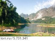 Озеро и горы (2013 год). Стоковое фото, фотограф Анна Кузнецова / Фотобанк Лори
