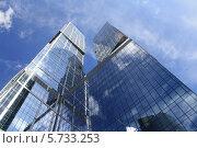 Два стеклянных небоскреба (2012 год). Стоковое фото, фотограф Владимир Николаев / Фотобанк Лори