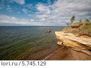Купить «Пейзаж с морем, облаками и скалами на берегу», фото № 5745129, снято 16 июня 2011 г. (c) Darja Vorontsova / Фотобанк Лори
