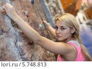 Купить «Девушка на скалодроме», фото № 5748813, снято 5 декабря 2012 г. (c) Losevsky Pavel / Фотобанк Лори