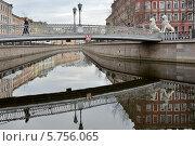 Купить «Санкт-Петербург. Реки и каналы. Львиный мост», эксклюзивное фото № 5756065, снято 29 марта 2014 г. (c) Александр Алексеев / Фотобанк Лори